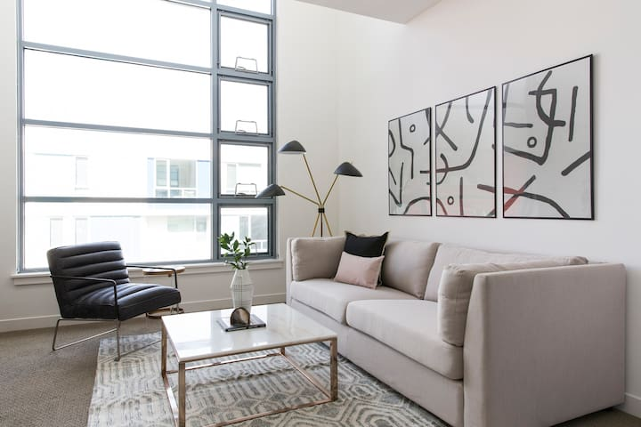 Sonder | Edgewater Terrace | Vibrant 1BR + Terrace