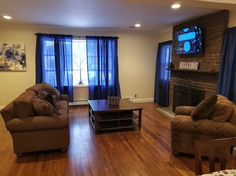 Relaxing living area with Ultra-HD TV
