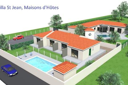 Villa St Jean, maison d'hotes  calme avec piscine - Saint-Jean-Lasseille