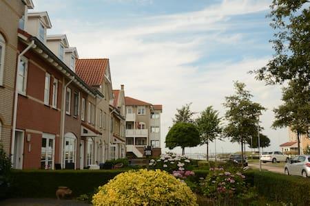 Family home among the yachts of Wemeldinge Marina