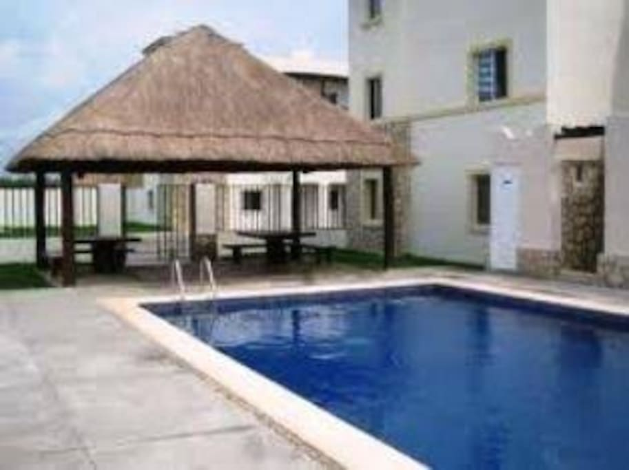 Shared pool in the private building - Electronically accessed