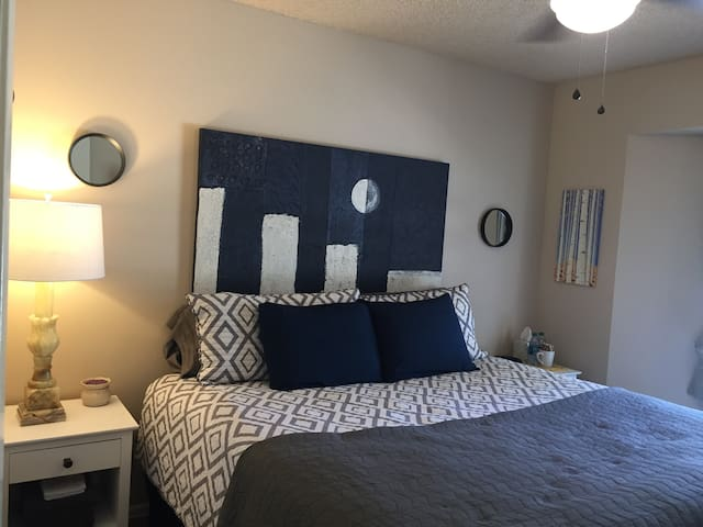 2 Private Rooms in Ranch Oasis