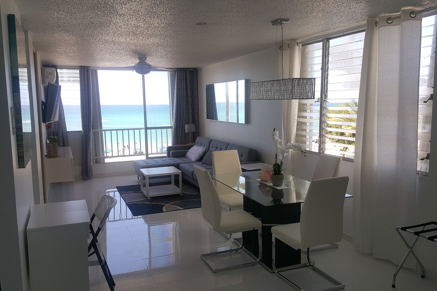 "Stunning! Modern! Ocean Front! Fully Equipped! Clean! ""All white"" New Fully Remodeled!! SLEEP 6!! Milly 787-460-1794"