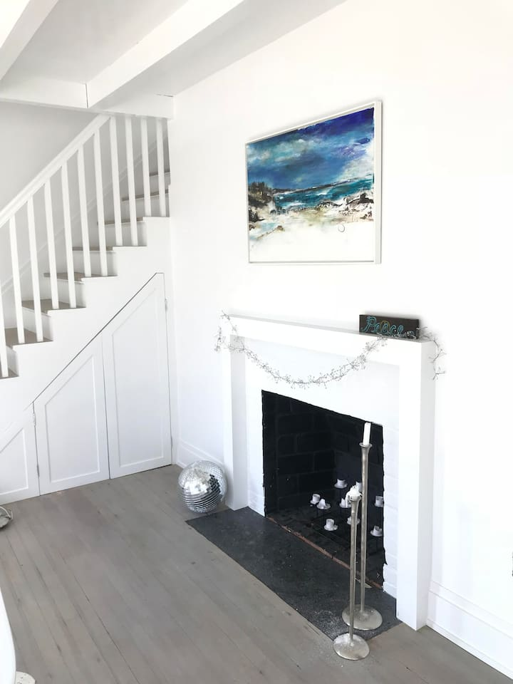 foyer and fireplace