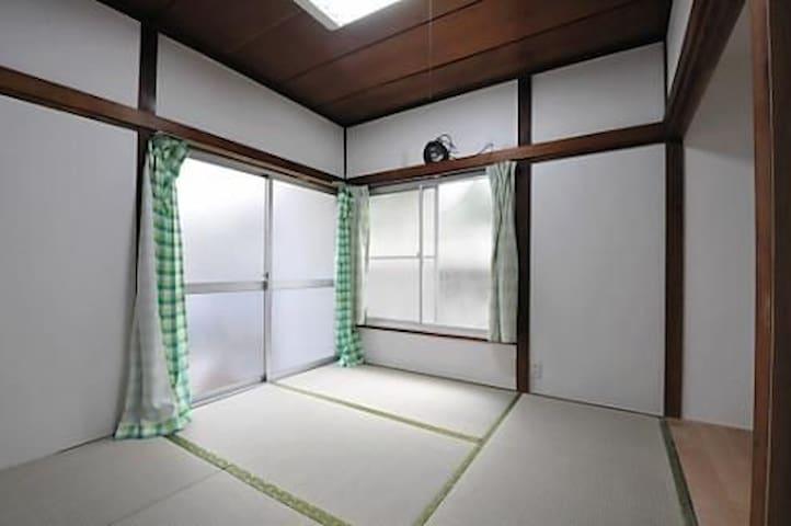 BNL:101 シェアハウスの1室。西荻窪駅より徒歩10分。Suginami-ku 一軒家