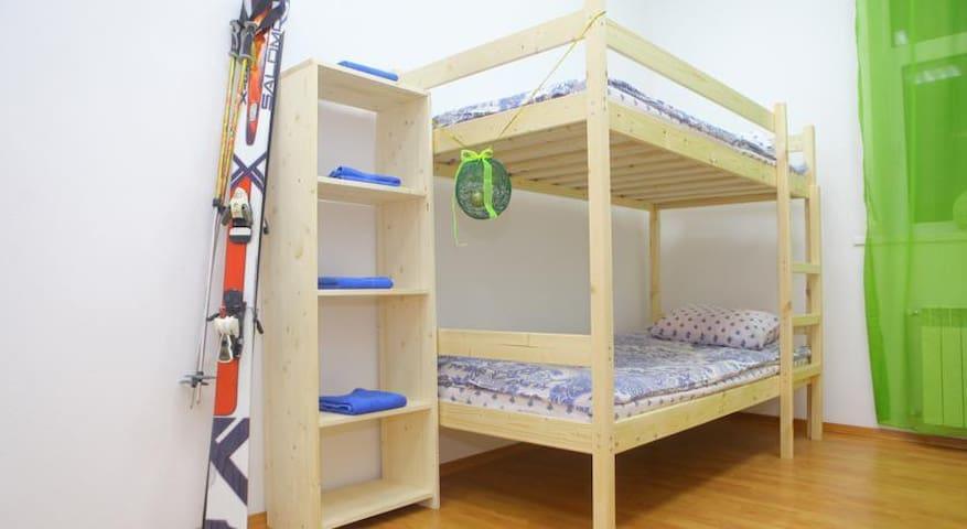 Кровать в женском 8-ми местном номере - Krasnaya Polyana - Herberge