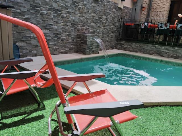 Casa alquiler íntegro en Segovia.  Piscina y bbc