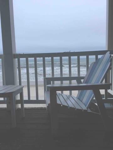 Oceanfront Topsail Beach Getaway