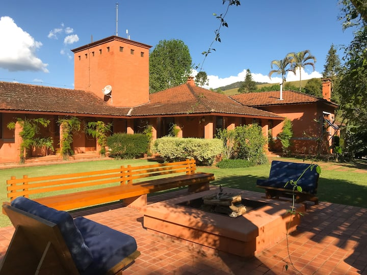 Charming country house with view to Pedra do Baú