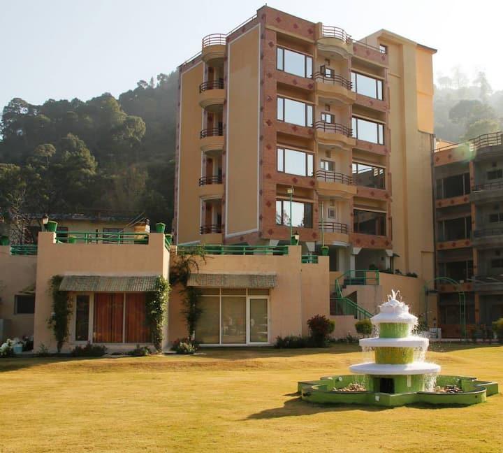2BH Full view Flat S10  Kasauli hills Kumarhatti