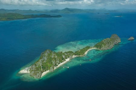 Private Island Retreat: Floral Island Resort