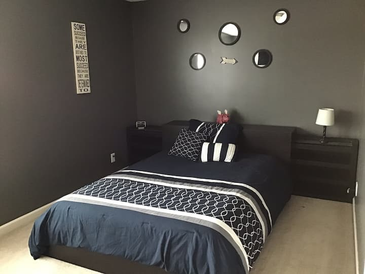 Large Bedroom-P Available West Lafayette, IN