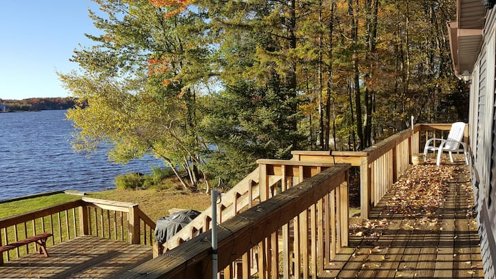 Family-friendly 4-bedroom lakefront house