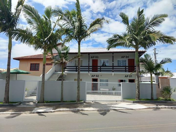 AP 04 - 220 metros da praia do Campeche!