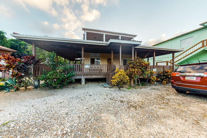 Two studios w/ ocean views, deck, partial AC & free WiFi - close to the beach!