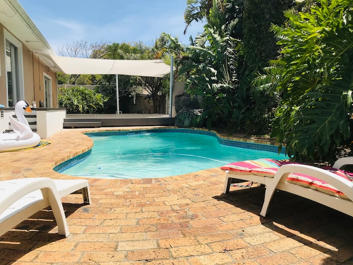 Surfers & Yogis: Flatlet in Yoga Garden with Pool
