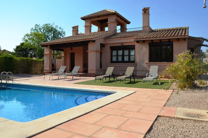 Superb individual villa 3 bed with private pool - Fuente Álamo