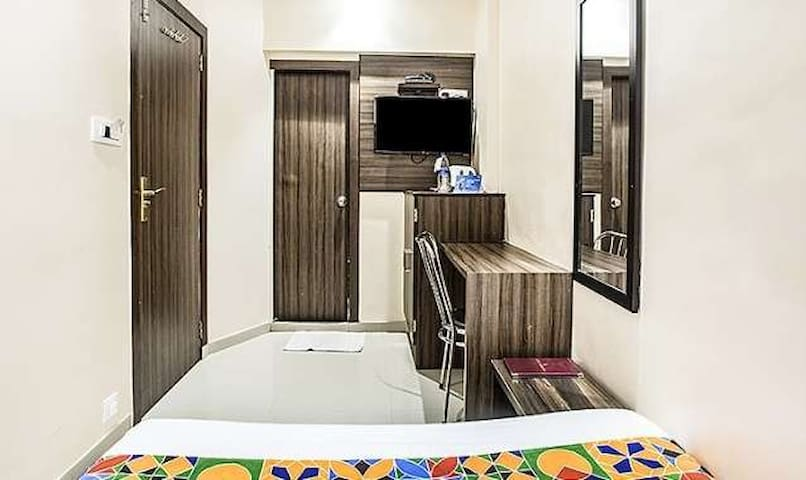 Budget Friendly Rooms @5mins Drive to Airport