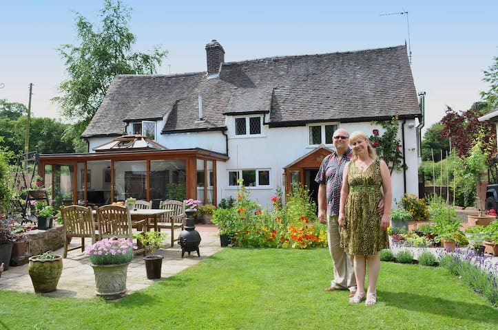 Brook House: Double bed room - Eccleshall - Bed & Breakfast