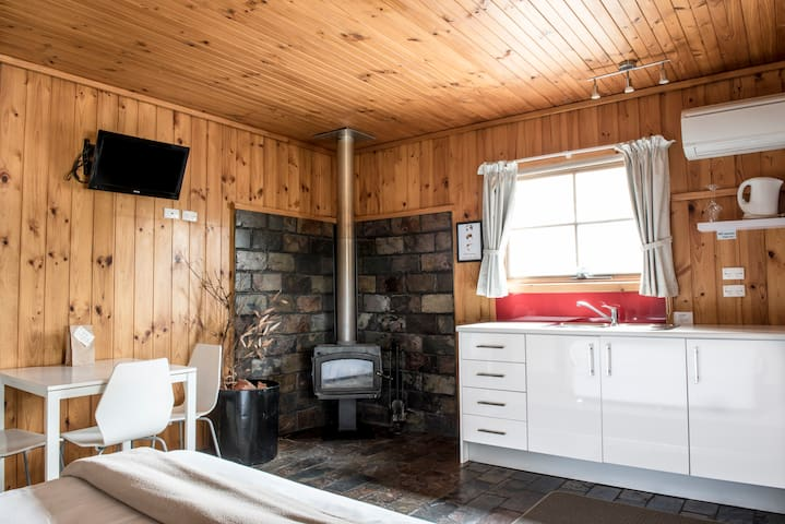 Homely Barossa Valley Cabin, Perfect for Families!