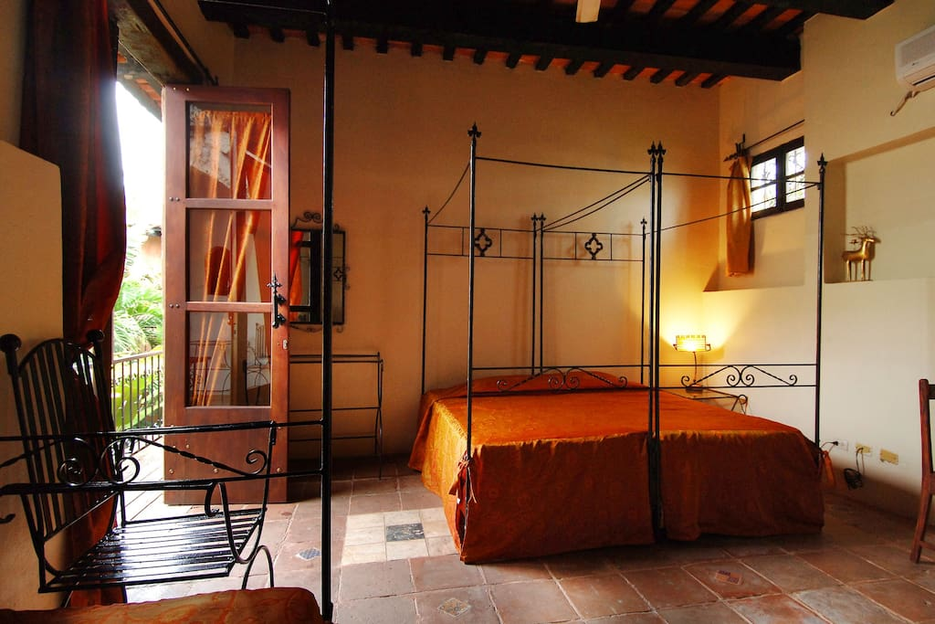 romantic room on house from c 16th chambres d 39 h tes louer saint domingue distrito. Black Bedroom Furniture Sets. Home Design Ideas