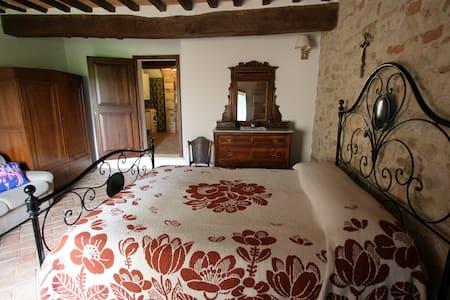 """Holiday House """"La Ceppaia"""" - Retro - Colle di Val D'elsa"""
