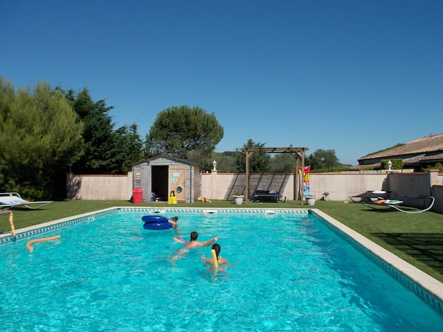 Gîte/piscine - Lastours (1) - Domaine Las Capelas