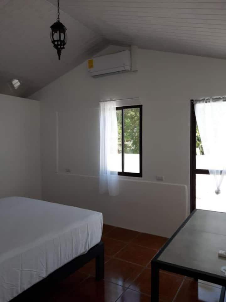 Vista Castillo Hotel - standard room w/balcony (11)