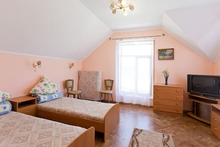 Cozy hotel in Odessa for travelers - Bilyaivs'kyi district - Huis