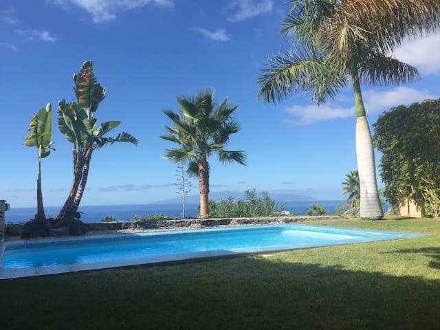 """MEXICAN VILLA """"GOLF SIDE"""" With Pool - Santa Cruz de Tenerife - Villa"""