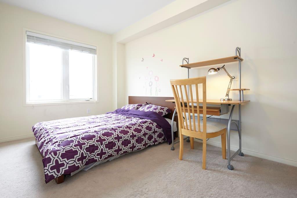 Sunny Bedroom York University Toronto Houses For Rent In Toronto Ontario Canada