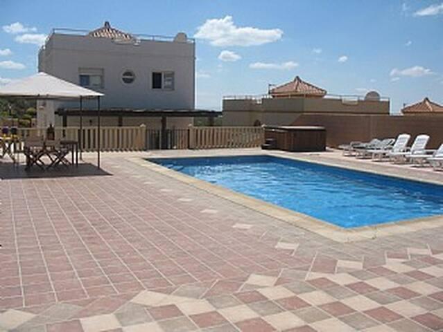 Moroccan style villa with pool - Dílar - Villa