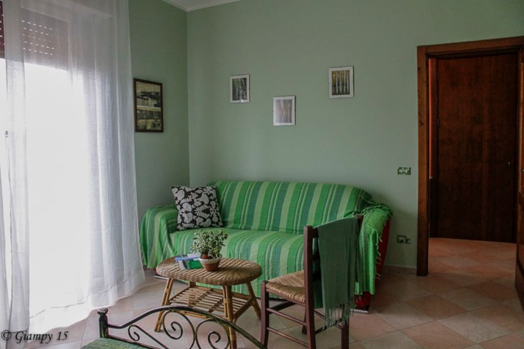 camera verde tripla 2