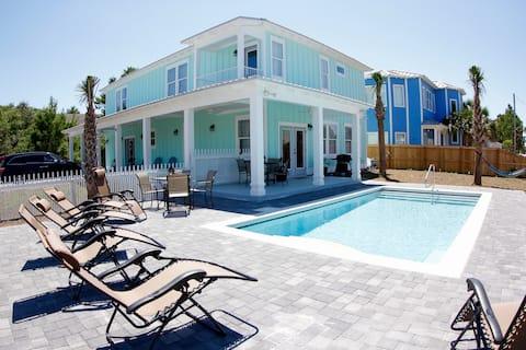 NO FEES 🐬 Sleeps 20 🐠 6 bdrms 🐳 Private heated pool 🐟 Casa Green Destin beautiful new beach house 🐋 5.5 baths best location!
