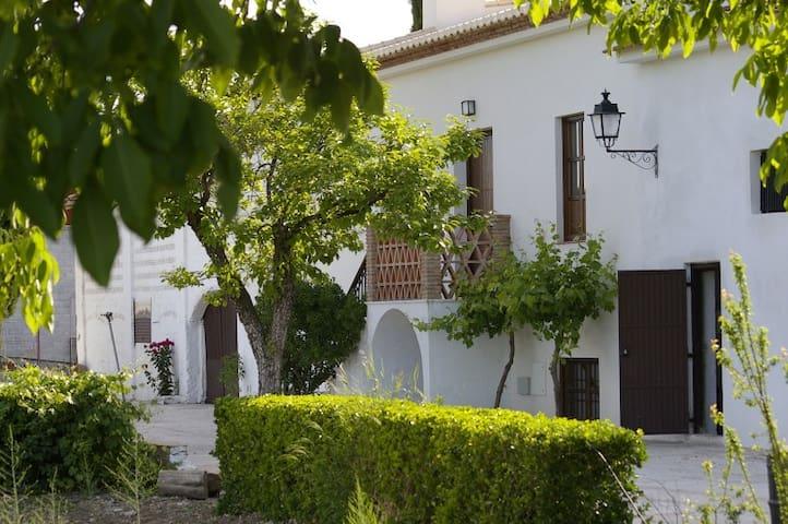 Casa de la Abuela - Pinos Puente - Hus