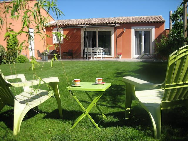 villa Zen gite de 50m² a Molleges - Mollégès