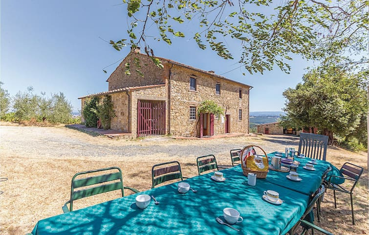 Holiday cottage with 6 bedrooms on 200m² in Gambassi FI