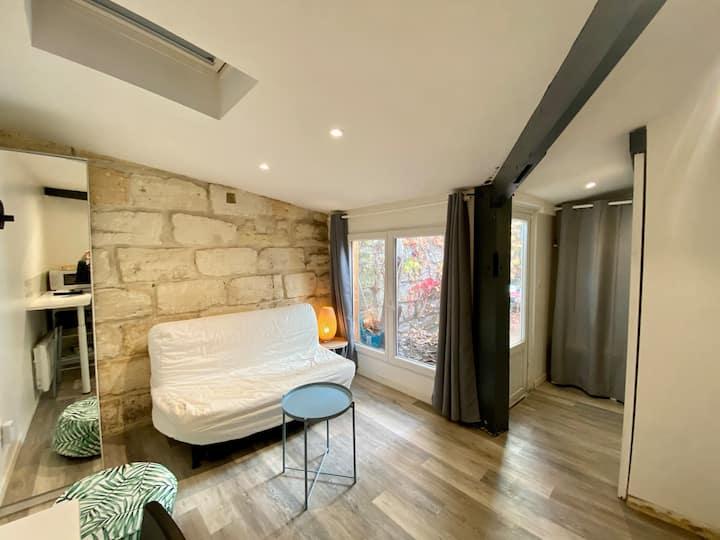 Bordeaux centre, Studio avec extérieur 20 m2.