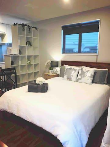Brand New Modern Studio: Clean, Comfy & Cosy