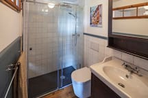 Toilet/shower Toilette Dusche