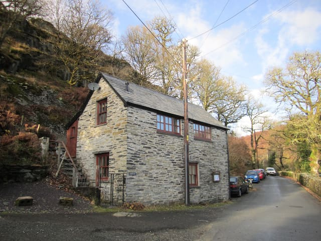 Lloft O.T. - Cottage in Snowdonia - Capel Curig - House