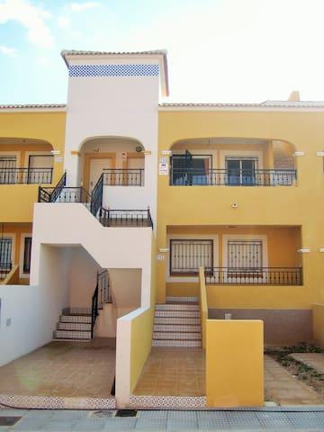 First Floor Two-Bedroom Apartment - Los Montesinos - Apartamento