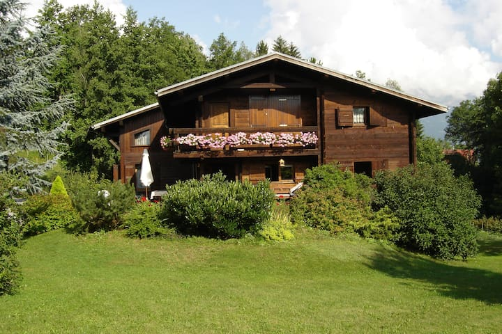 70m² Apt with balcony, overviewing Mont-Blanc