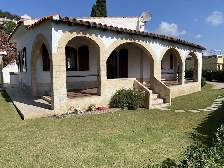 """""""Villa Mercede"""" Near the Beach with Wi-Fi, Terrace & Garden; Parking Available, Pets Allowed"""