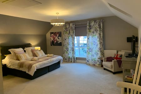 The Loft - 5* detached annexe. Super King Luxury