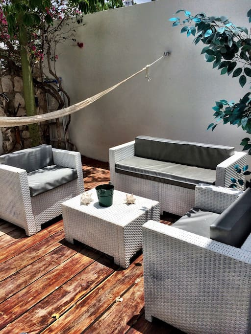Relaxing front patio