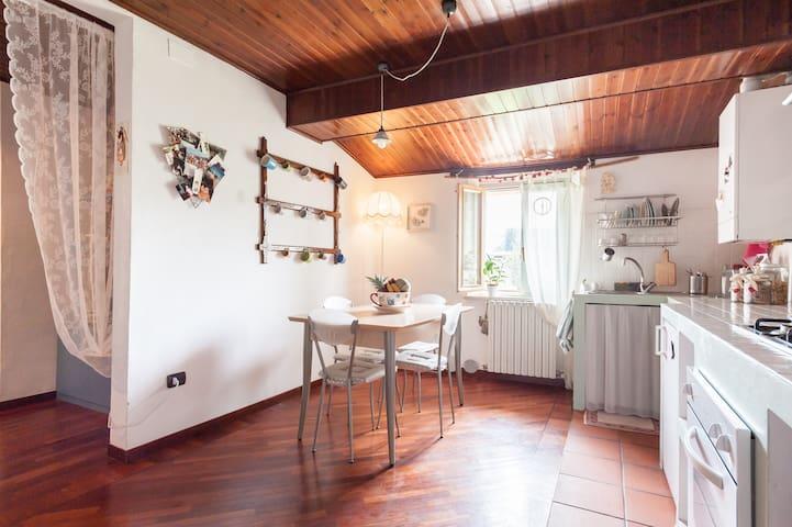 Appartamento con vista mozzafiato - Urbania - Leilighet
