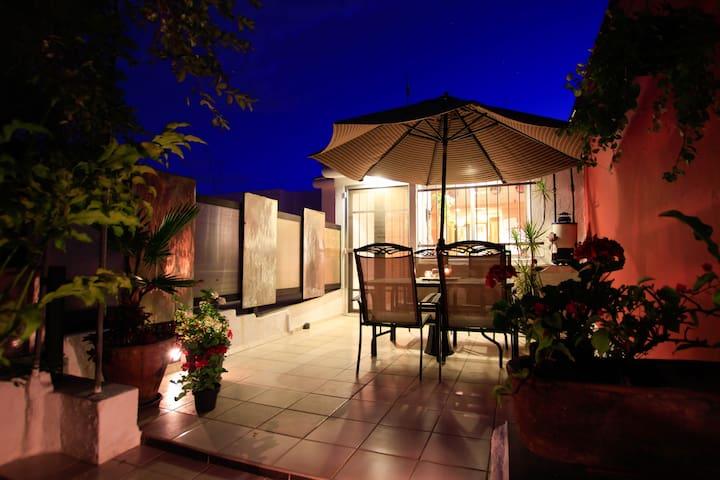 Designer apartment with amazing terrace - Zapopán - Daire