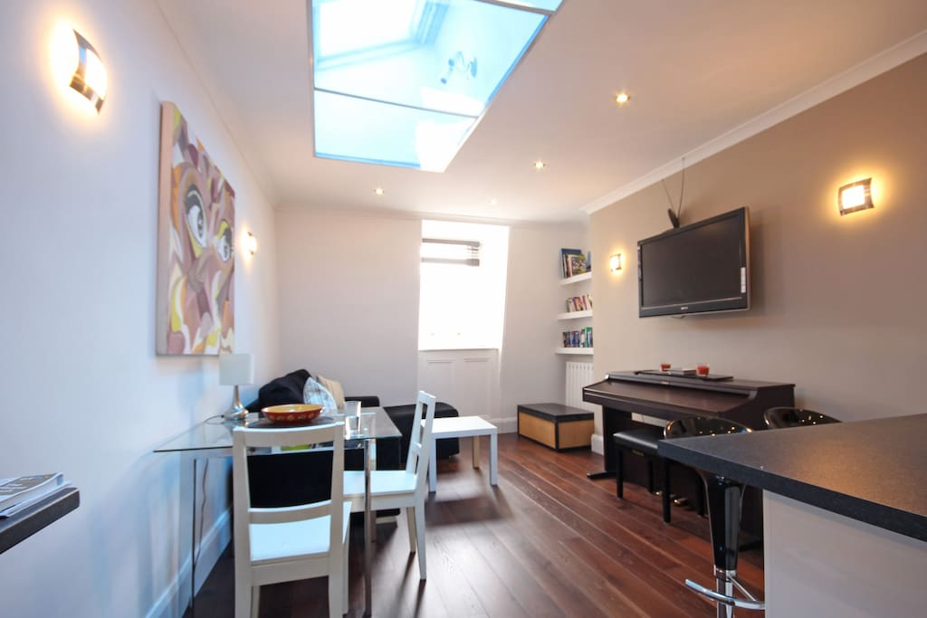 Trendy and very central 1 bedroom
