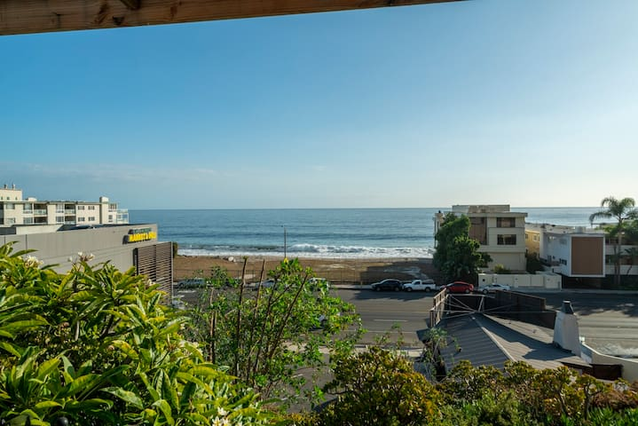 *Ocean View Guest House - Across from Nobu!*